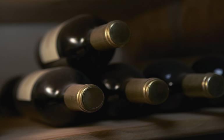 Serán subastadas tres botellas de vino de 1774 en Francia
