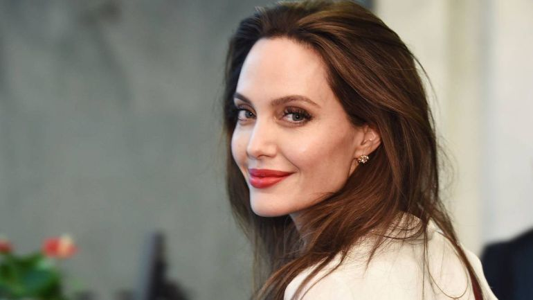 Angelina Jolie desata su ira contra Brad Pitt