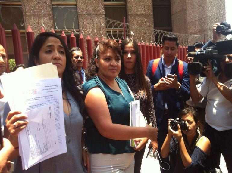 Nestora Salgado demanda por daño moral a Meade