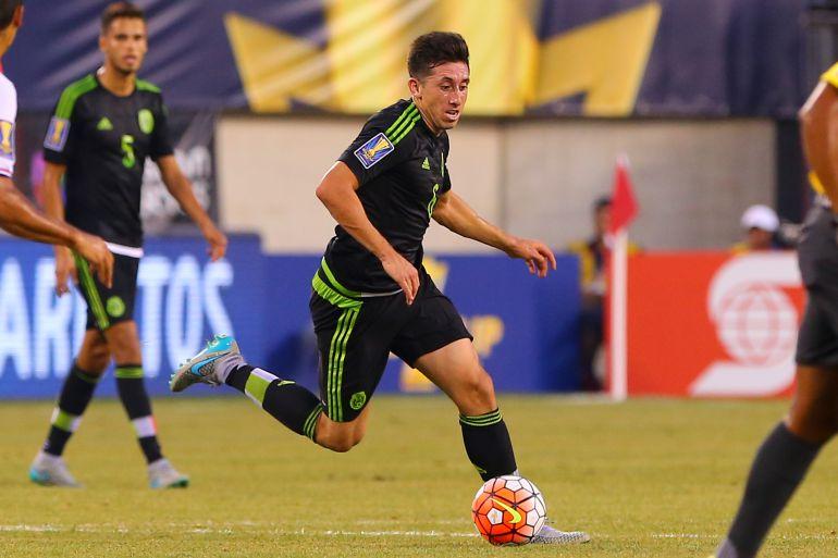 Héctor Herrera abandonó la concentración del Tricolor