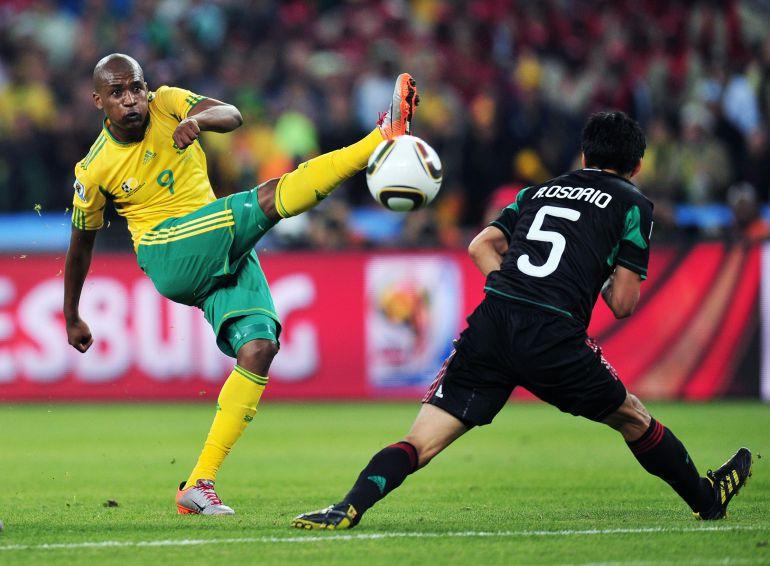 Sudáfrica no pudo ganar a México en la inauguración del 2010