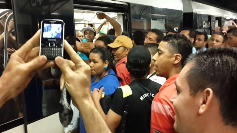 Surge #LadySiQuepo en el metro de la Ciudad de México: Surge #LadySiQuepo en la CDMX