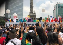 El color de la Marcha del Orgullo LGBTTTI