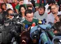 Mikel festeja el triunfo del TRI