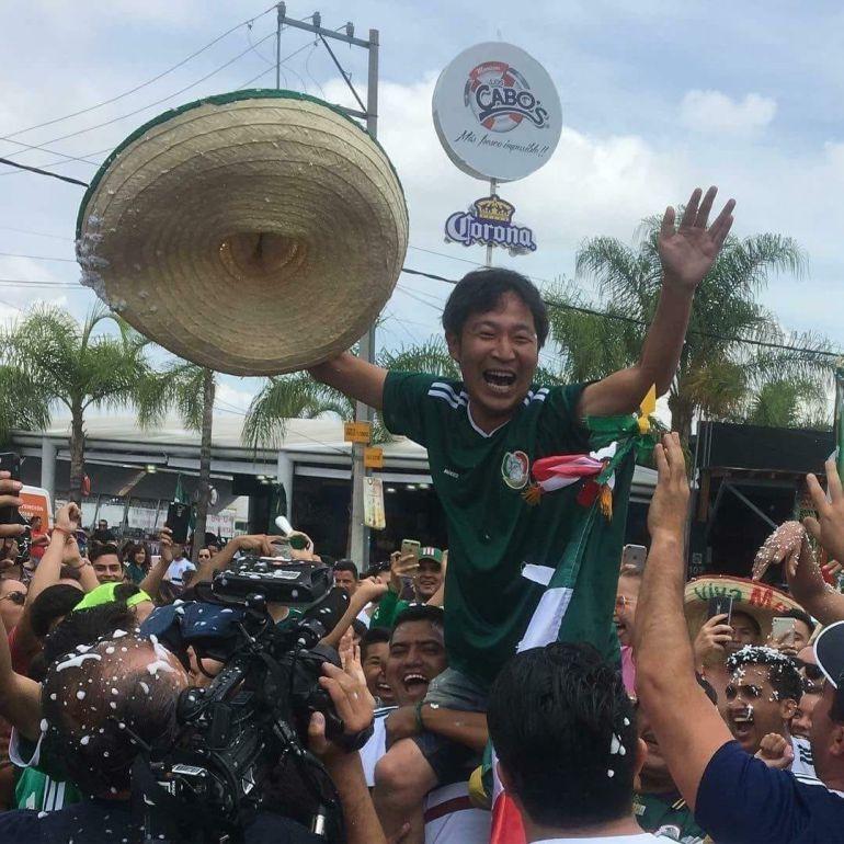 Los mexicanos festejaron con los coreanos