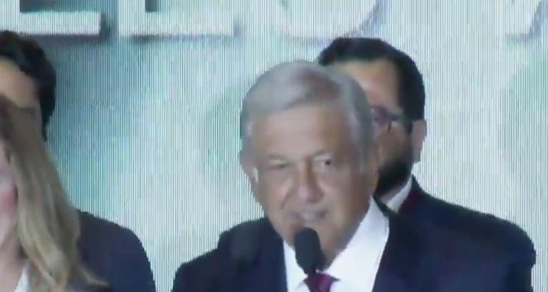 Andrés Manuel recibe felicitaciones: Personalidades felicitan a AMLO
