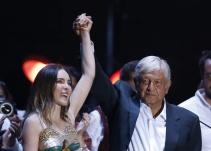 ¿Qué famosos celebraron el triunfo de Andrés Manuel López Obrador?