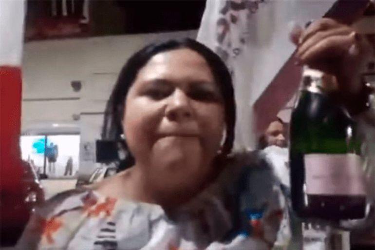 Candidata de Morena festeja con banda y champagne al obtener senaduría: Candidata festeja con banda y champagne al obtener senaduría