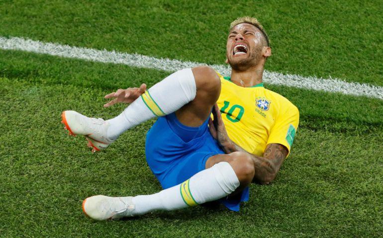 Neymar, Copa del Mundo Rusia 2018, Exageraciones de Neymar cuestan minutos vitales: Exageraciones de Neymar cuestan minutos vitales