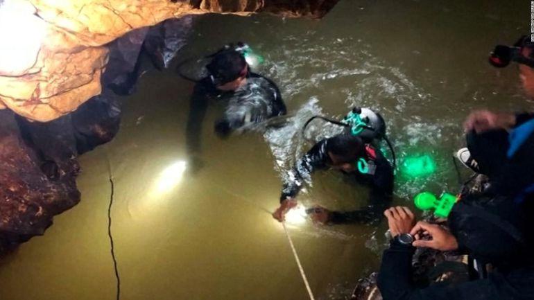 Rescate niños Tailandia: Rescatan a 12 niños y entrenador de una cueva en Tailandia