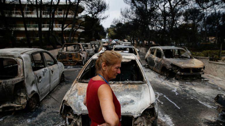 Así se ven los incendios de Grecia desde un avión