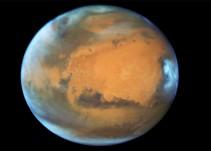 Hallan lago de agua líquida en Marte