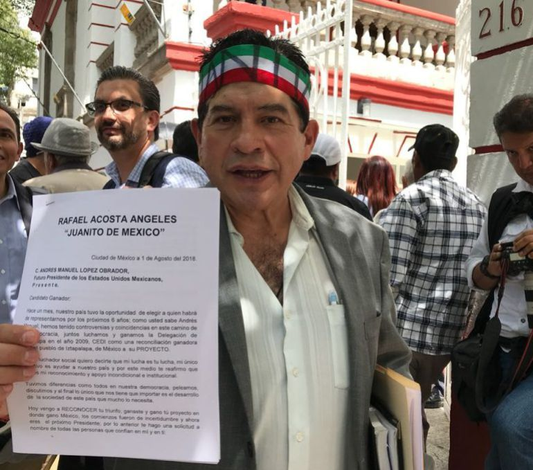 """'Juanito' acude a la casa de AMLO para pedirle """"chamba"""""""