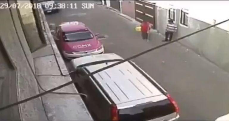Sufre robo anciano invidente en calles de la CDMX