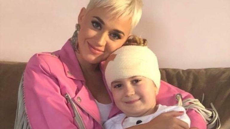 Katy Perry sorprende a una pequeña fan