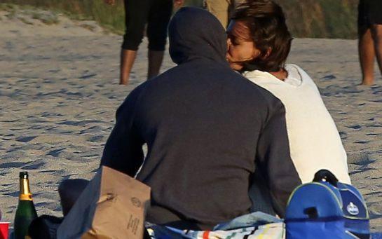 Jamie Foxx y Katie Holmes muestran su amor en público