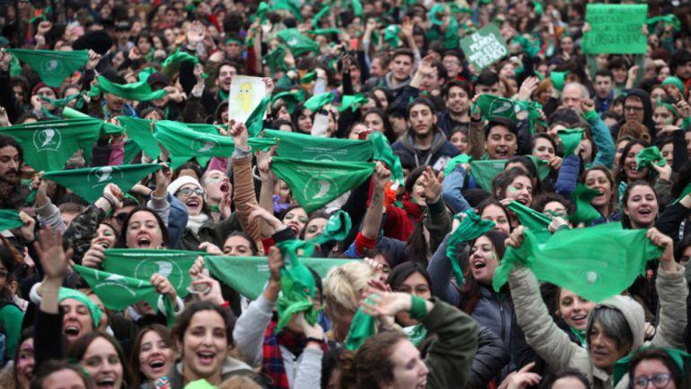 Ciudadanos argentinos quieren renunciar a la religión