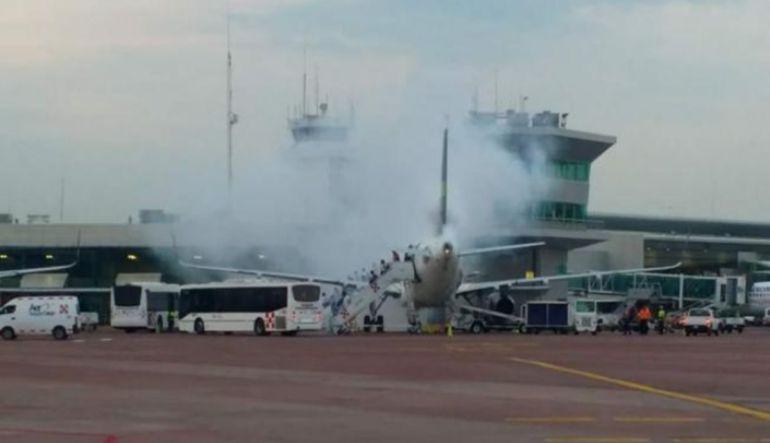 Por incendio un avión de Volaris evacuó a pasajeros en Guadalajara