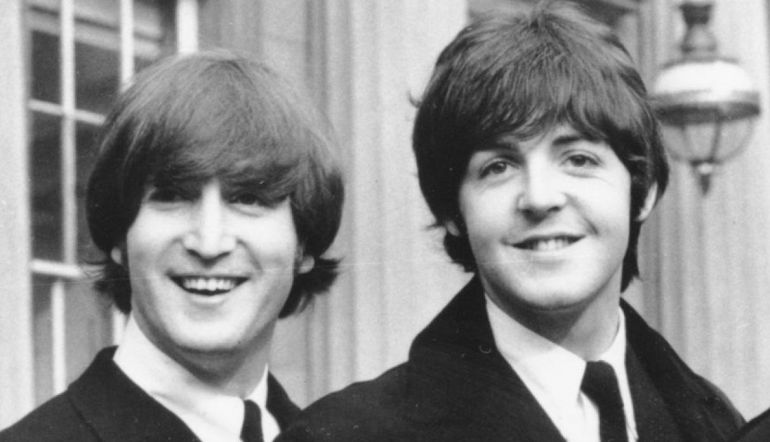 Hijos de John Lennon y Paul McCartney toman épica selfie