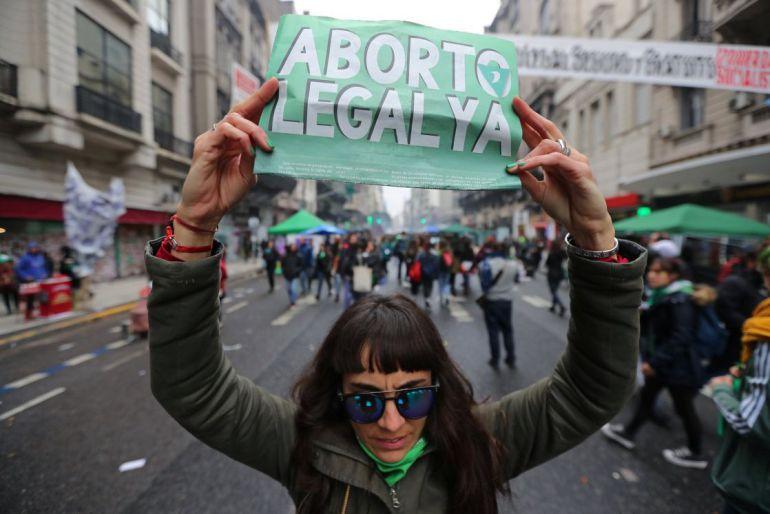 Fallece joven al practicarse aborto clandestino