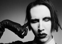 Marilyn Manson se desmaya en concierto