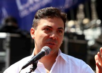 Cristian Castro le rinde un homenaje a Juan Gabriel