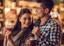 Beber con tu pareja mantiene la relación, según la ciencia