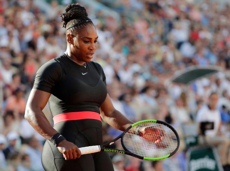 Con traje o sin traje, Serena Williams es superheroína
