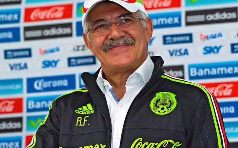 Ricardo Ferreti revela la convocatoria del 'Tricolor'