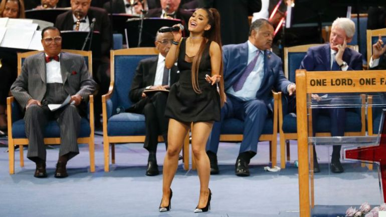 "Obispo acusado de ""meter mano"" a Ariana Grande"
