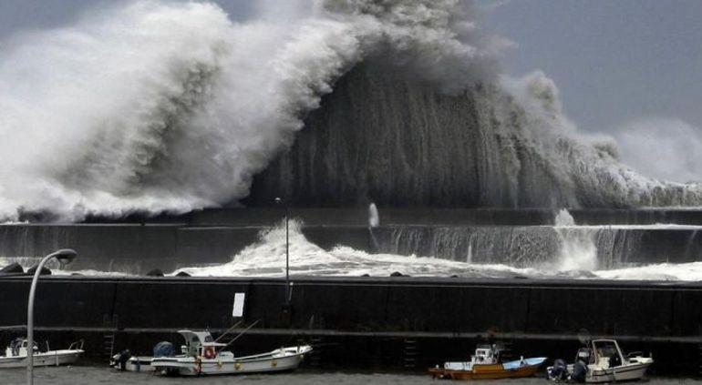 Tifón Jebi golpea a Japón