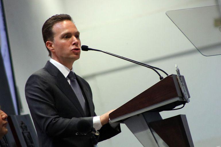 Manuel Velasco, aprueban licencia: Siempre sí, aprueban licencia a Manuel Velasco