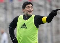 Diego Maradona vuelve a México, ahora como D.T