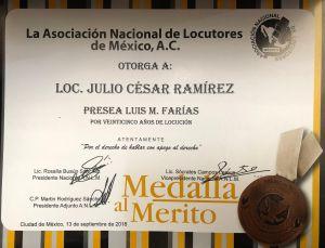 Recibe Julio César Ramírez la medalla Luis M. Farías