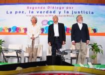 Familiares de desaparecidos exigen justicia en foro de paz de AMLO
