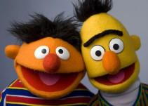 Enrique y Beto son pareja, guionistas de Plaza Sésamo lo confirman