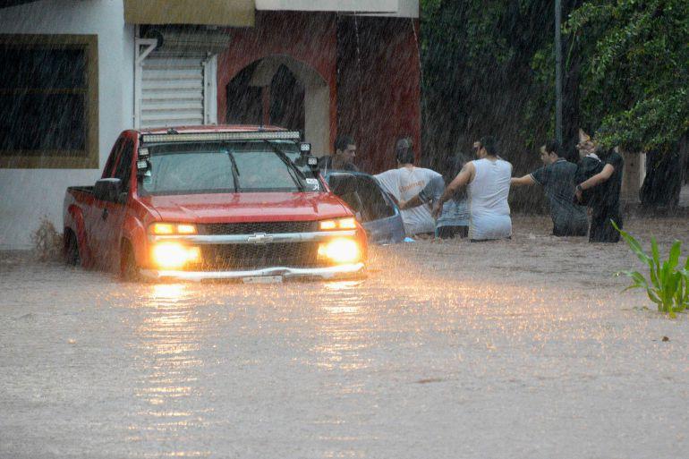 Coordina Comité Nacional de Emergencias ayuda por inundaciones en Sinaloa