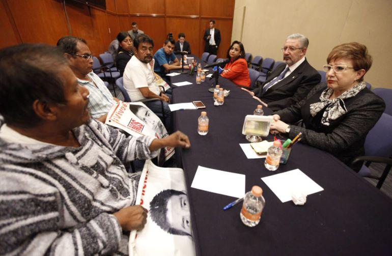 normalistas, Ayotzinapa: Familiares de normalistas exigen a la SCJN apruebe la creación de una Comisión de la Verdad
