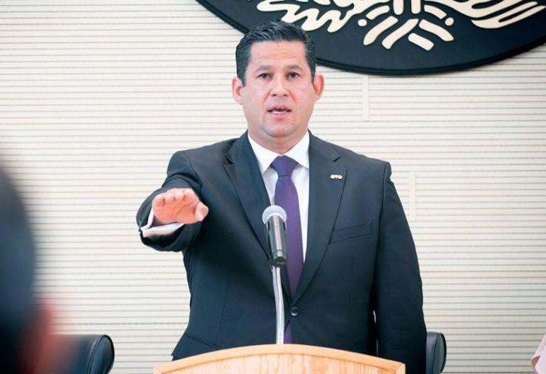 Diego Sinhue, Guanajuato: Toma protesta Diego Sinhue como gobernador de Guanajuato