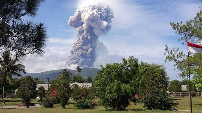 Volcán Soputan: Indonesia: terremoto, tsunami y ahora volcán