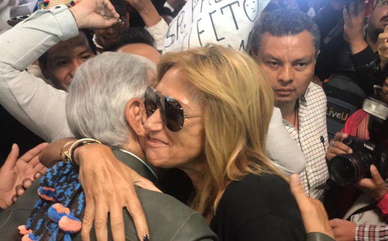 AMLO pacta reunión con Adela Micha