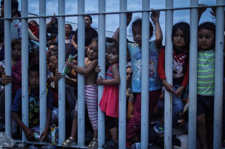 caravana migrante, hondureños, México: Recibe SEGOB 640 solicitudes de refugio de migrantes en Chiapas