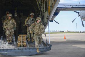 Arriban soldados a la frontera de Texas con México