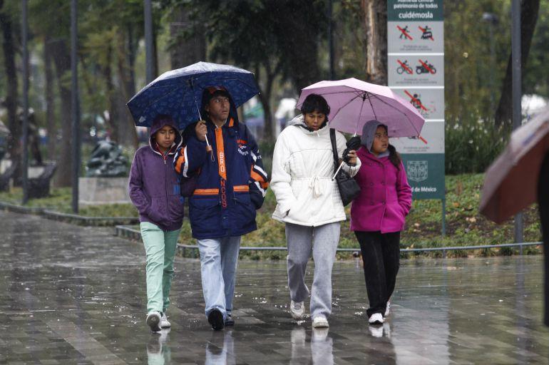 lluvias, agua nieve: Se esperan fuertes lluvias y caída de agua nieve en el Valle de México