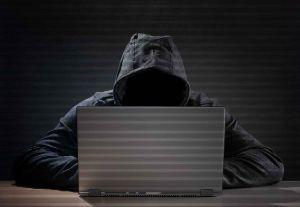 """El peligro al que te expones si tapas tu """"webcam"""""""