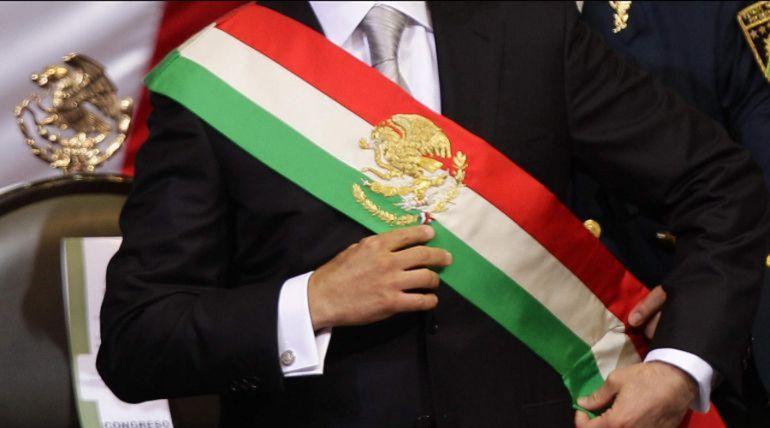 banda presidencial, AMLO: Cambian orden de colores de la Banda Presidencial