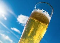 Comprobado: el alcohol te ayuda a hablar mejor un nuevo idioma