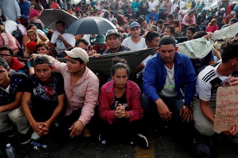 Centroamericanos de caravana migrante piden apoyo para regresar de Tijuana a su país