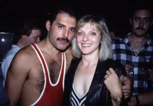 El extraño amor de Freddie Mercury y Mary Austin en imágenes