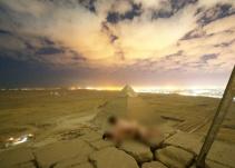 Pareja se quita la ropa en la cima de la pirámide de Giza; autoridades emprenden investigación